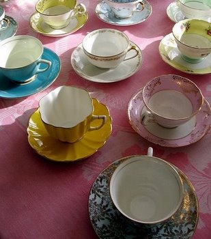 2_5_dainty_tea_cups_-_nhearon2003_on_flickr