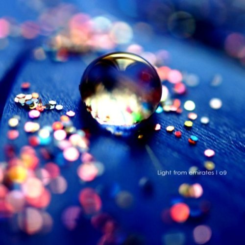 colorful_glitters______by_light_from_Emirates