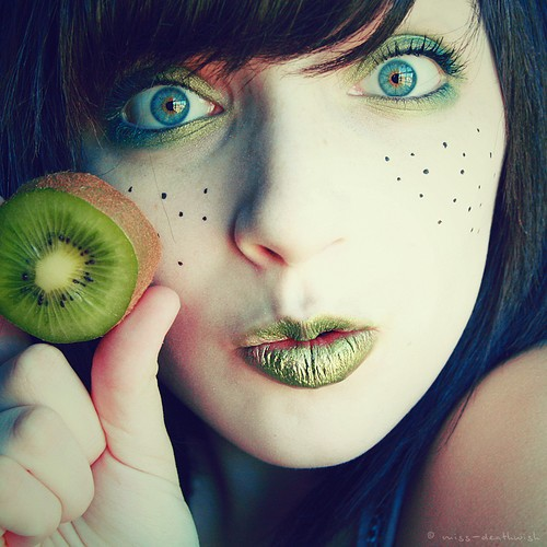 colour,girl,green,kiwi,photography,portrait-a350f85583476f6c4cff34ee8479c869_h